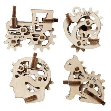 Obrázek Ugears 3D dřevěné mechanické puzzle 4 mechanické přívěšky Charakterové symboly